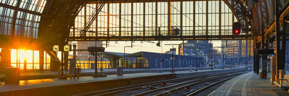Papier Peint Panoramique avec bâtiments industriels