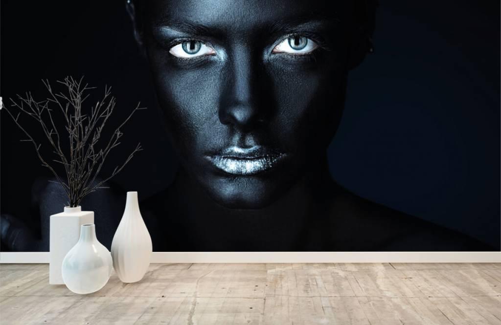 Portraits et visages - Femme mystérieuse - Salle de séjour 8