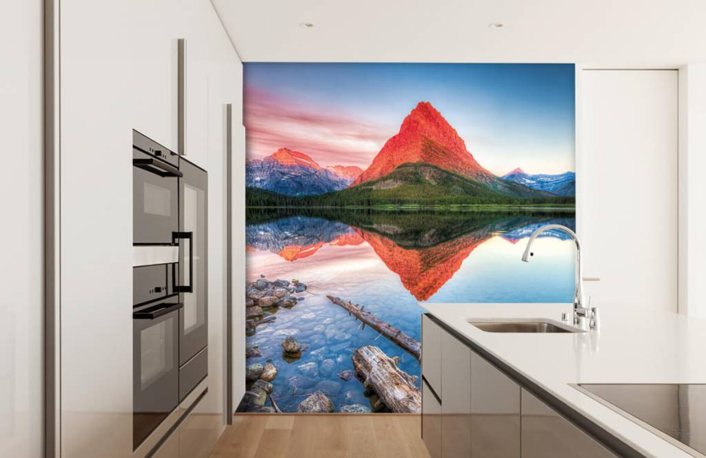 Lacs et eaux - Le sommet d'une montagne rouge - Couloir 3