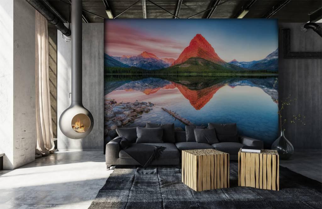 Lacs et eaux - Le sommet d'une montagne rouge - Couloir 6