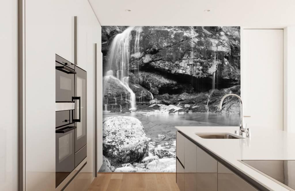 Papier peint noir et blanc - Chute d'eau au-dessus d'un mur de pierre - Chambre à coucher 4