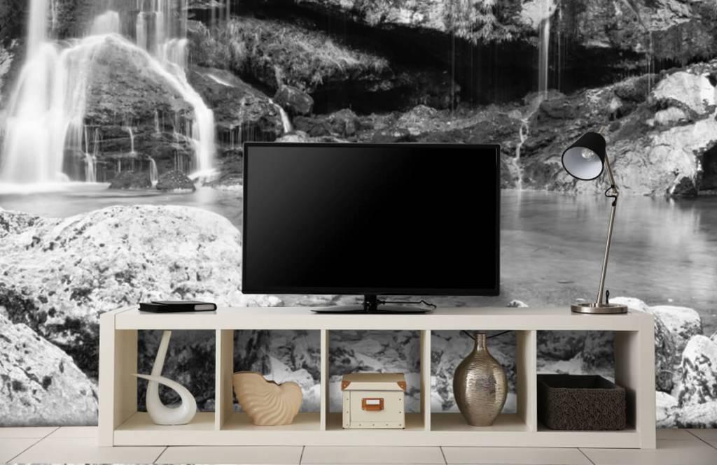 Papier peint noir et blanc - Chute d'eau au-dessus d'un mur de pierre - Chambre à coucher 5