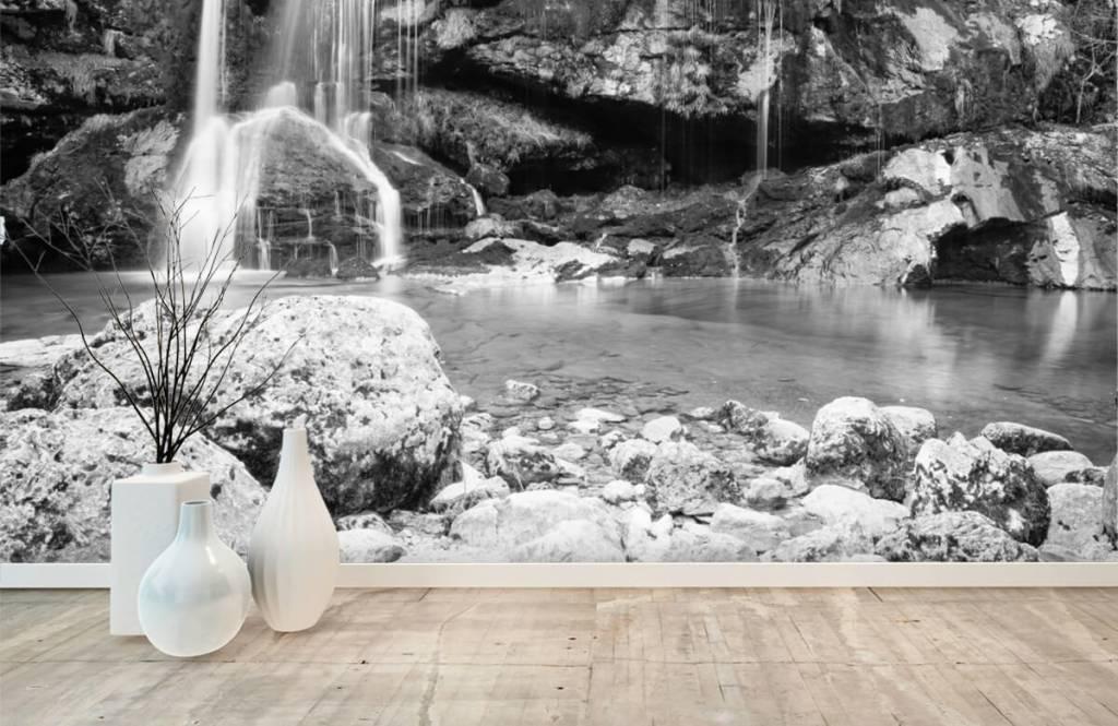 Papier peint noir et blanc - Chute d'eau au-dessus d'un mur de pierre - Chambre à coucher 8