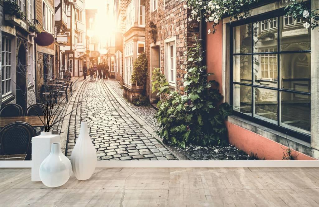Papier peint Villes - Coucher de soleil dans une vieille rue - Chambre à coucher 1