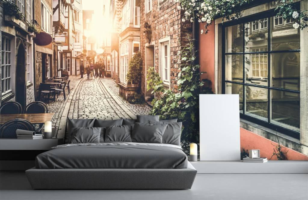 Papier peint Villes - Coucher de soleil dans une vieille rue - Chambre à coucher 2