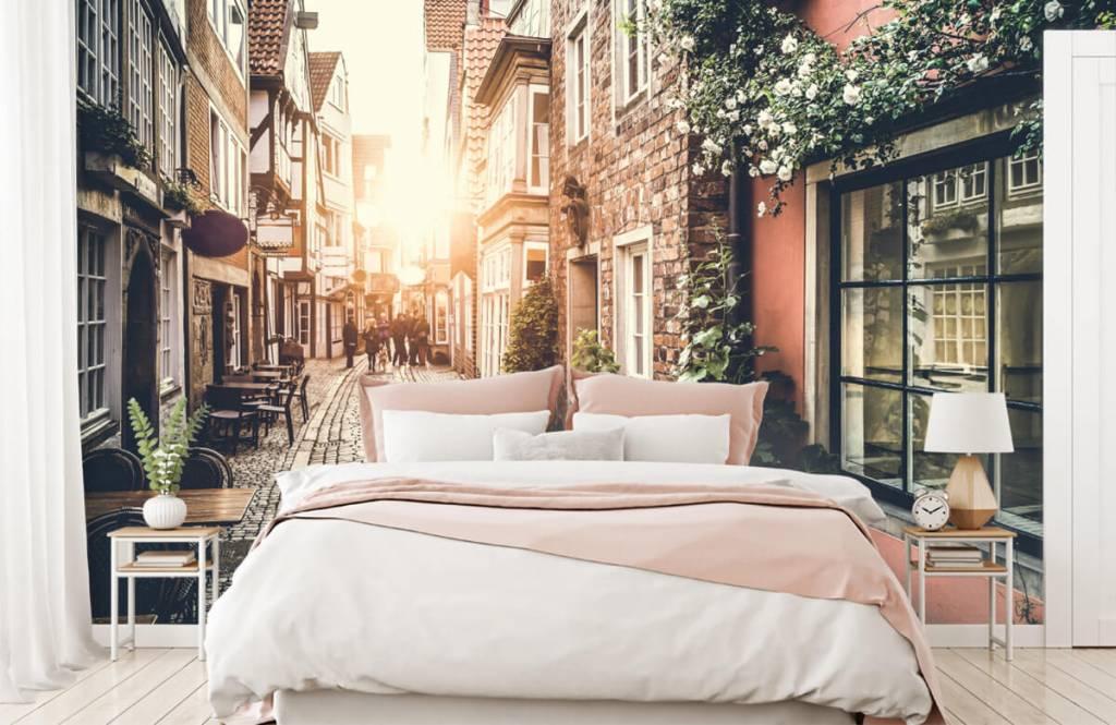 Papier peint Villes - Coucher de soleil dans une vieille rue - Chambre à coucher 7