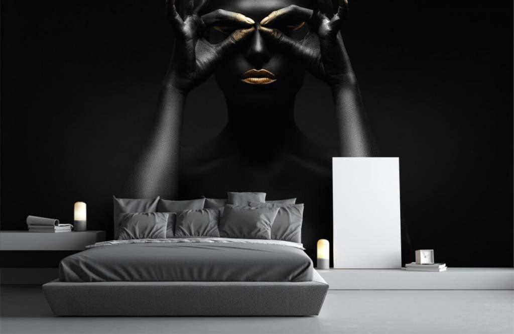 Portraits et visages - Femme peinte en noir - Salle de séjour 1