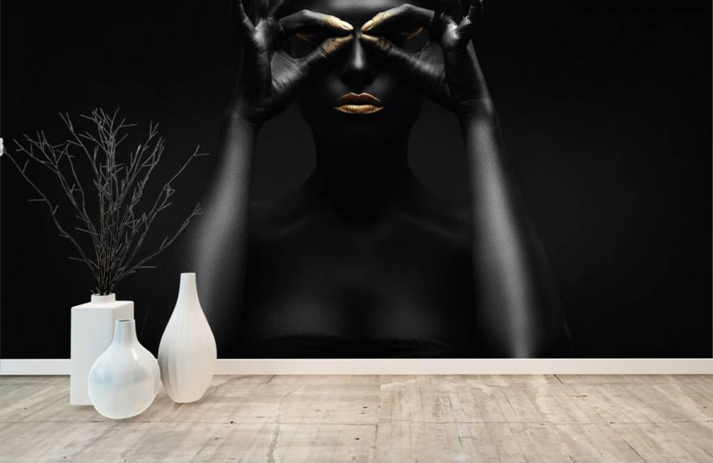 Portraits et visages - Femme peinte en noir - Salle de séjour 7