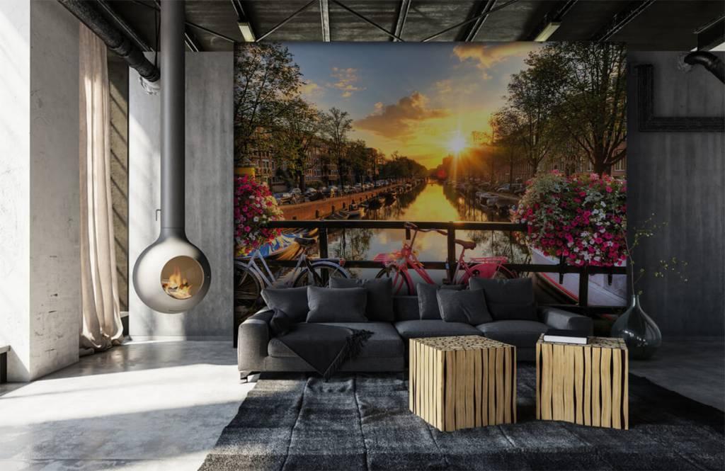 Papier peint Villes - Faire du vélo sur un pont avec des fleurs - Chambre à coucher 6