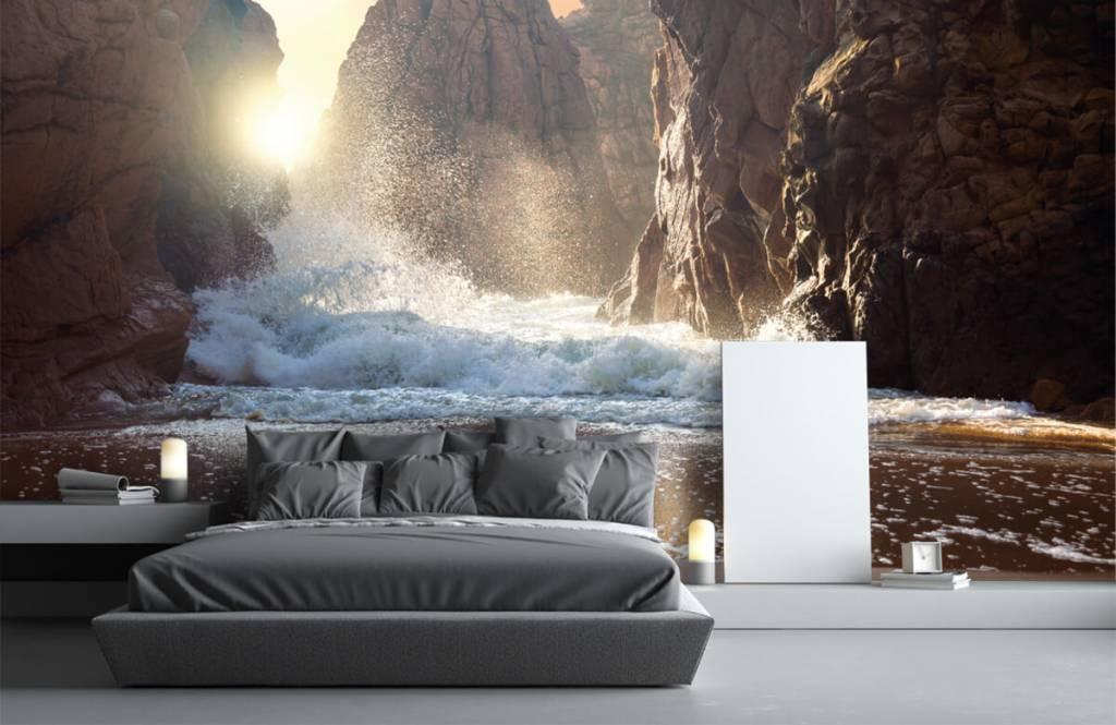 Mers et océans - Les vagues contre les rochers - Département des ventes 3