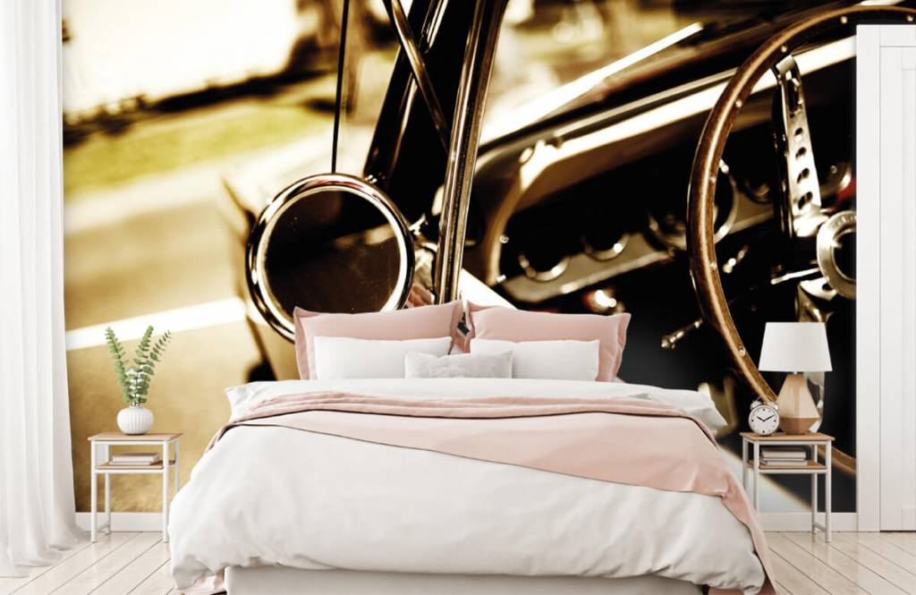 Transport - Gros plan sur la voiture de collection rouge - Chambre à coucher 2
