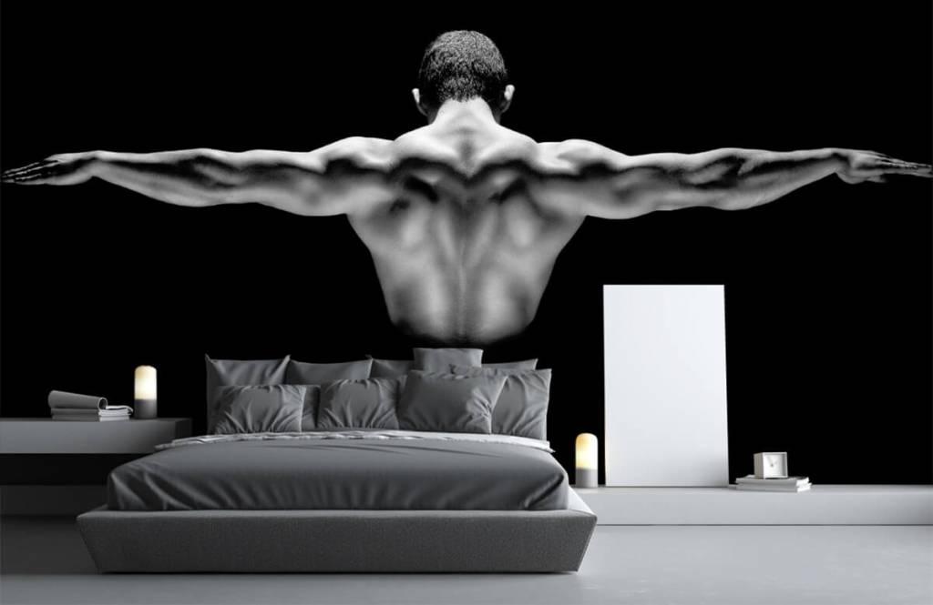 Fitness - Homme aux bras tendus - Entrepôt 3
