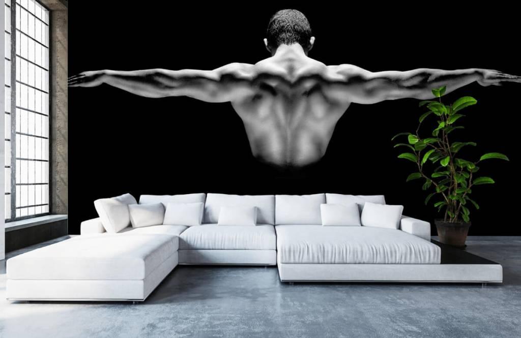 Fitness - Homme aux bras tendus - Entrepôt 4