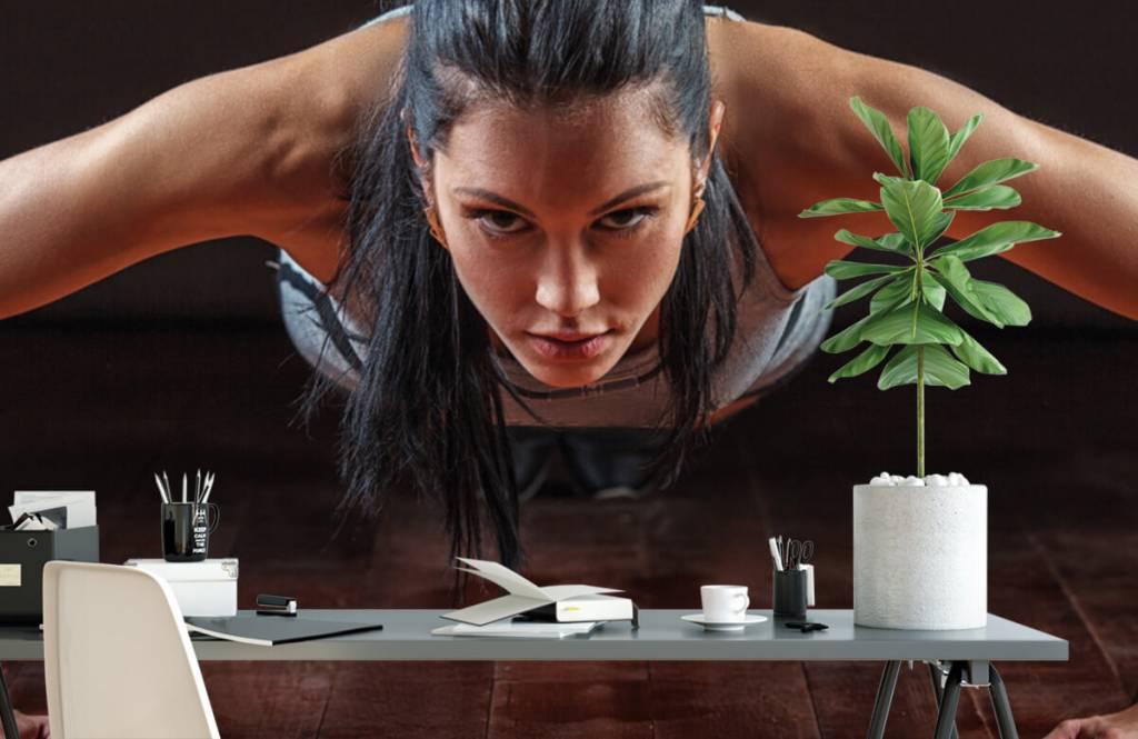 Fitness - Femme faisant des pompes - Salle de Loisirs 2