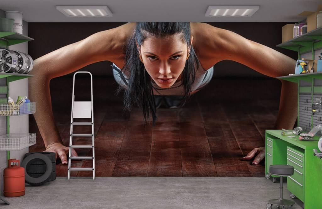 Fitness - Femme faisant des pompes - Salle de Loisirs 3