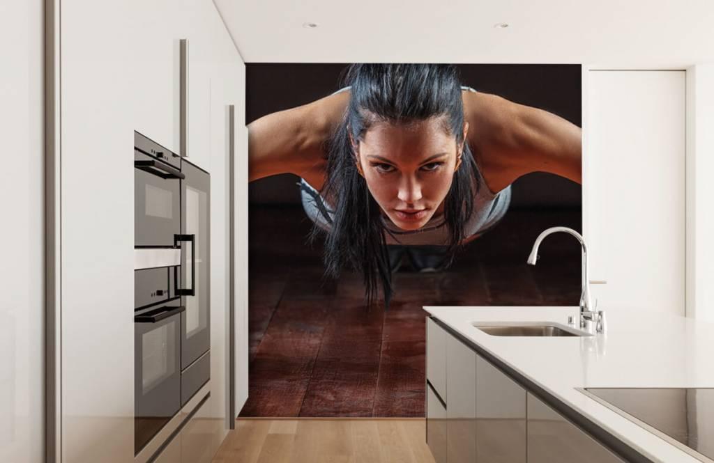 Fitness - Femme faisant des pompes - Salle de Loisirs 5
