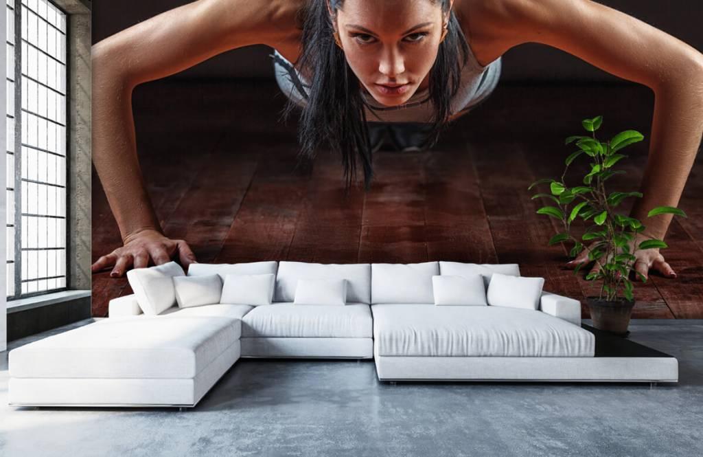 Fitness - Femme faisant des pompes - Salle de Loisirs 6