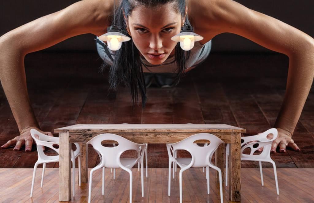 Fitness - Femme faisant des pompes - Salle de Loisirs 7