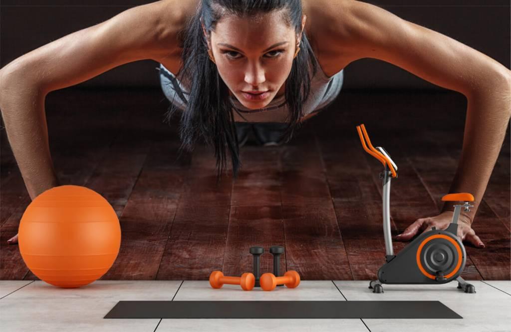 Fitness - Femme faisant des pompes - Salle de Loisirs 9